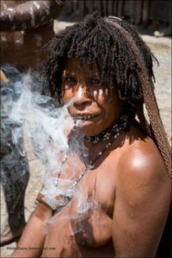 Жизнь современных папуасов (фото)