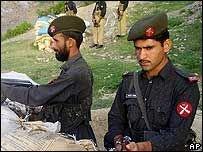 В Пакистане отрубили головы шести силовикам