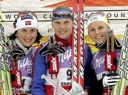 Кубок мира по лыжным гонкам стартовал с победы россиянки Натальи Матвеевой