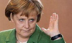 Канцлер Германии Ангела Меркель против ограничения скорости на автобанах