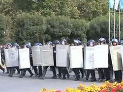 В Бишкеке задержаны около 30 манифестантов