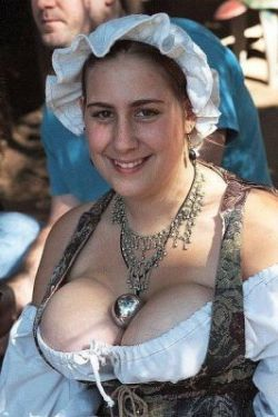Самые пышногрудые женщины Европы живут в деревне Велп (фото)