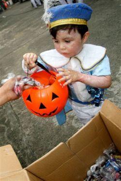 Предпраздничное безумие Хеллоуина (фото)
