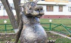 Слесарь, ежик в тумане, кирпич. Кому в России воздвигают памятники?