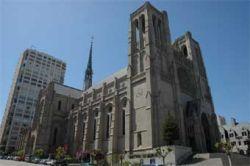 Художник-перформансист пытался поджечь собор в Сан-Франциско