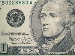 Соотношение доллар-фунт достигло рекордной за последние 26 лет отметки