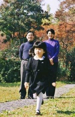 Японцам с детьми запретили менять пол