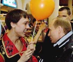 Россиянам приказали выйти на пропутинские митинги