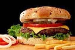Калифорниец Джо Честнат стал мировым рекордсменом в поедании гамбургеров
