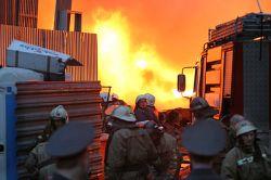 """Пожар на нефтеперерабатывающем заводе (НПЗ) \""""Коритон\"""" близ Лондона потушен"""