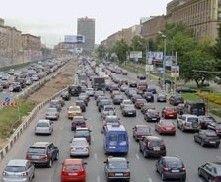 """В Москве женщина-водитель сбила ограбивших ее \""""барсеточников\"""""""