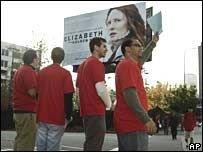 Голливуду грозит забастовка сценаристов