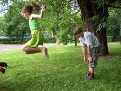 Латвия будет принудительно воспитывать детей с 9 лет