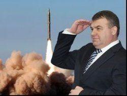Выдержит ли оборона Сердюкова?