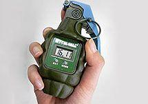 В Японии придумали Будильник-гранату способный выдержать утренние метания