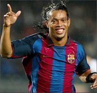 Роналдиньо останется в «Барселоне»