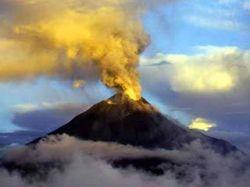 На Камчатке проходит активное извержение вулкана Шивелуч
