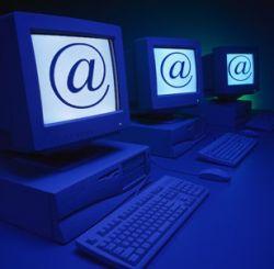 Американцы живут в сети и заменяют живое общение виртуальным
