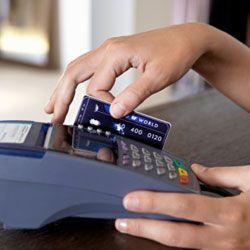 Британские воры воруют кредитки прямо в магазине