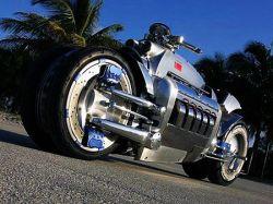 Мотоцикл с максимальной скоростью 640 км/ч
