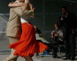 В столице Аргентины установили памятник танго