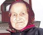 82-летняя звонарка из села Овстуг карабкается на колокольню по веревке