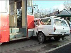 Страховщики признали, что при аварии старой машины запчасти нужны новые