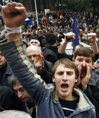 Грузинские оппозиционеры решили вернуться на площадь и продолжить митинговать