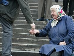 60% населения России удерживают в нищете искусственно