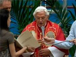 Новость на Newsland: Папа Римский развеял мифы о Рождестве Христовом