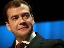 Медведев намерен вернуть дежурство сельских врачей на дому