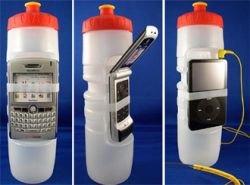 Оригинальный способ держать мобильный телефон под рукой представила компания BevyTech