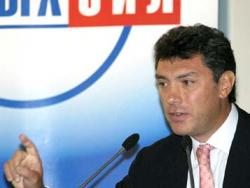Борис Немцов: Правоохранительные органы арестовали всю предвыборную печатную продукцию партии
