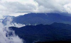 Начался выброс лавы вулкана Анак Кракатау в Зондском заливе