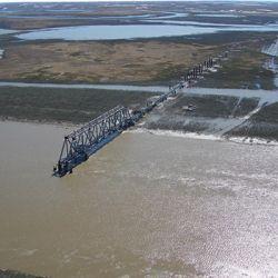 Самый длинный мост в России строят на Ямале