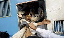 5 000 сторонников Беназир Бхутто брошены за решетку