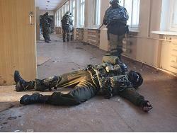 Восемь омоновцев пострадали при беспорядках у колонии в Копейске