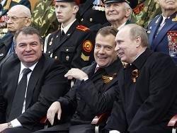 Медведев назвал правительство командой единомышленников