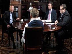 Медведев: если губернатор работает плохо, его можно уйти
