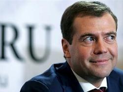 Медведев оказался в списке самых невлиятельных российских мужчин