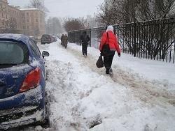 Коммунальщики жалуются на сбежавших дворников в Москве