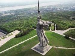 """Волгоградские чиновники застыдились """"несовременной"""" Родины-матери"""