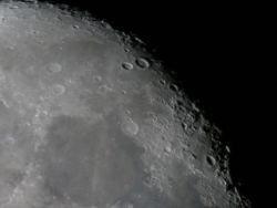 С атомной бомбой   и на Луну