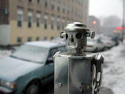 Японец собрал первого боевого робота