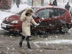 Снегопад в Германии остановил движение транспорта