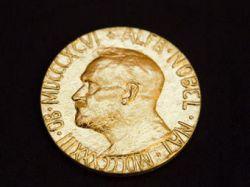 Нобелевские лауреаты потребовали лишить ЕС премии мира