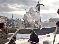 Как Петербург переживает метель и транспортный коллапс