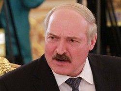 Лукашенко запретил рабочим увольняться с заводов