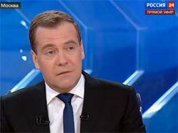 Медведев считает работу Сердюкова эффективной