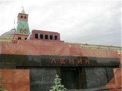 Путин вступился за тело Ленина в Мавзолее